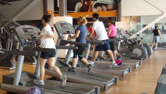 Actualmente, el 3% de los peruanos entrenan de manera regular. Un punto porcentual más que hasta hace dos años, según reporte de IHRSA. (Foto: El Comercio)