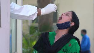 Nuevas restricciones en India tras un alza de contagios de COVID-19