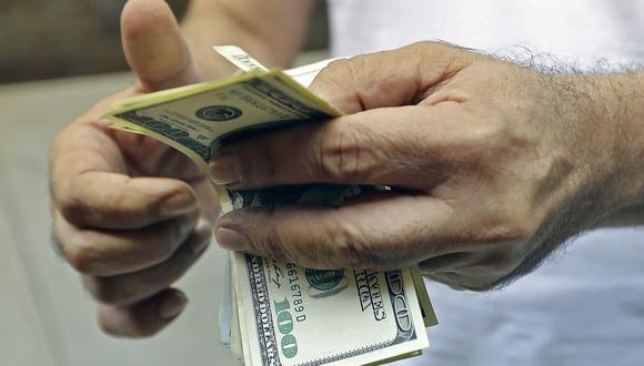 El dólar se cotizaba a 4.1 millones de bolívares soberanos en Venezuela este miércoles. (Foto: AFP)