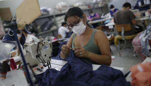 Los trabajadores del sector público que realicen sus trabajos de manera presencial lo harán en horarios escalonados. (Foto: GEC)
