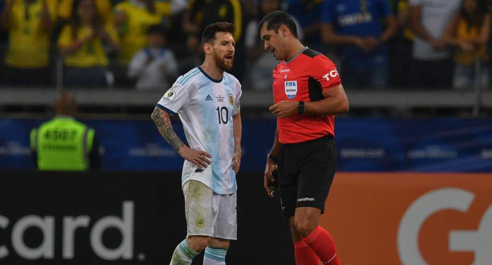 Roddy Zambrano, árbitro del Argentina-Brasil, rompió su silencio. (Foto: AFP)