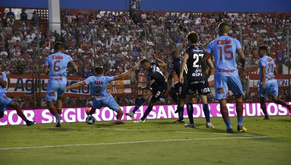Unión de Santa Fe y Arsenal no fueron contundentes en ataque y se conformaron con la igualdad en el Estadio 15 de Abril por la decimoquinta jornada del campeonato. (Foto: Unión)