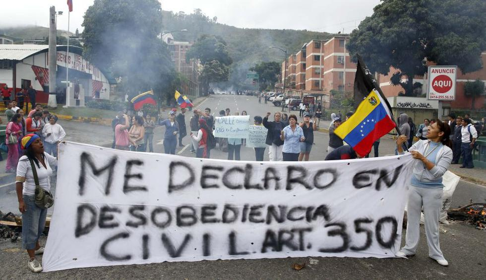 Caracas amaneció con barricadas en numerosas calles - 1