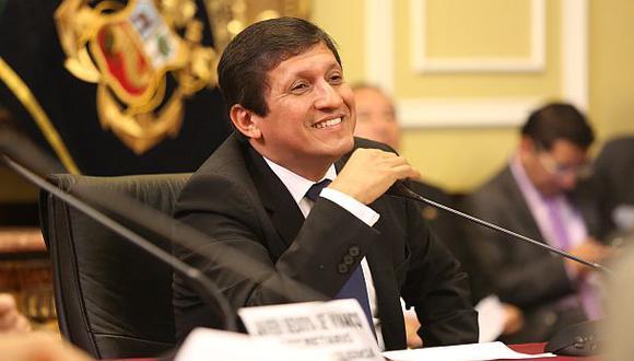Víctor Isla renunció al Partido Nacionalista Peruano