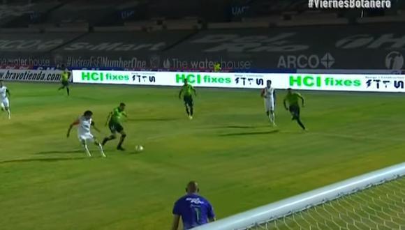 En el inicio del partido, por la jornada 12 del Apertura 2020 Liga MX en el Benito Juárez, el defensor tuvo la mala fortuna de anotar en propio arco. (Foto: captura de video)