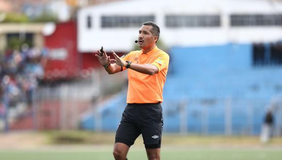El árbitro Miguel Santiváñez es investigado por casos de apuestas en la definición de la Segunda División 2020. (Foto: El Comercio)