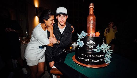 Nick Jonas celebró su cumpleaños jugando un partido de fútbol americano organizado por Priyanka Chopra. (Foto: @nickjonas)
