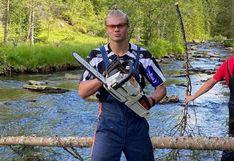Erling Haaland se convirtió en leñador, mientras pasa sus vacaciones en Noruega