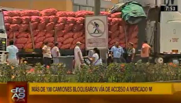 Más de 100 camiones de cebollas varados en el Mercado Mayorista