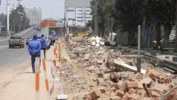 Durante la gestión de Luis Castañeda se derribó el muro perimétrico del Jockey Club para la construcción del Intercambio Vial El Derby (Foto: Hugo Pérez / El Comercio)