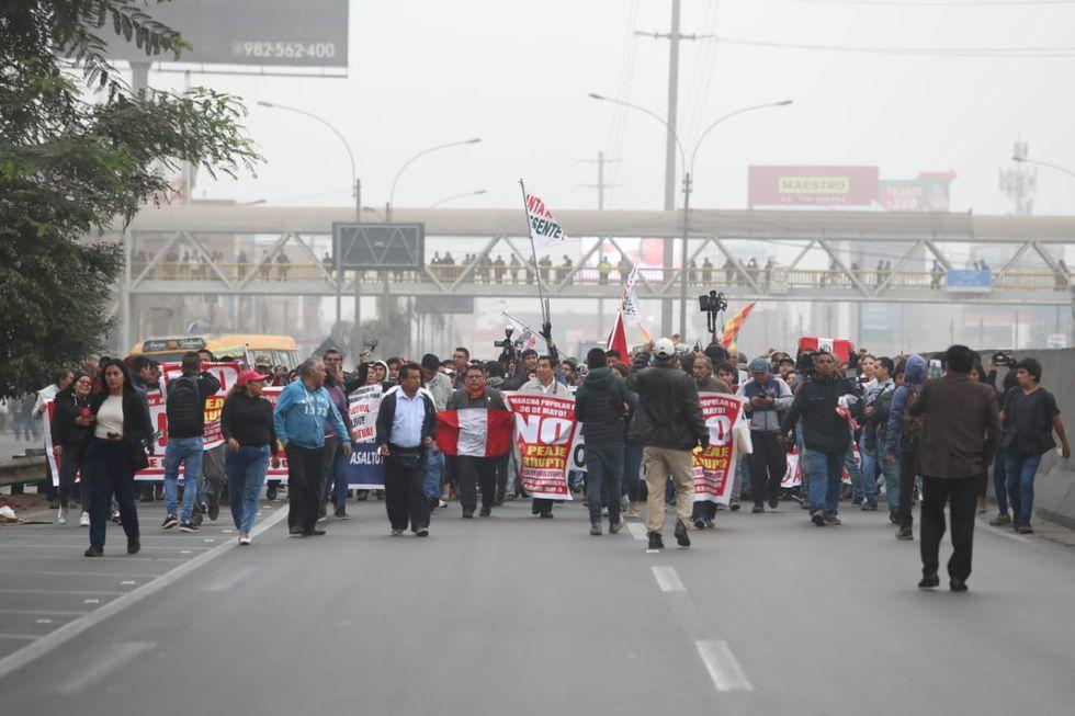 El alcalde de Puente Piedra, Rennan Espinoza, informó que hasta el momento se van dirigiendo al óvalo de Shangrila(Foto: Alessandro Currarino)