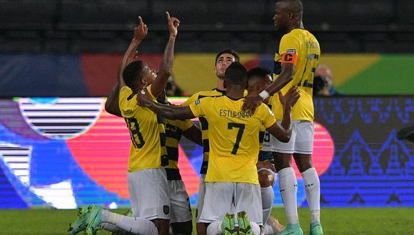 Ecuador busca su primer triunfo ante la selección peruana.