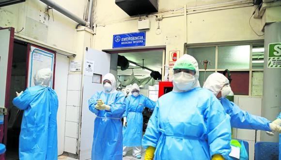 Desde el inicio de la pandemia 130 enfermeras murieron y 7.700 se contagiaron de coronavirus. FOTOS: ALESSANDRO CURRARINO/EL COMERCIO