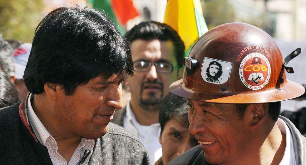 Evo Morales en una manifestación de la COB el 1 de mayo del 2009. (AIZAR RALDES / AFP).