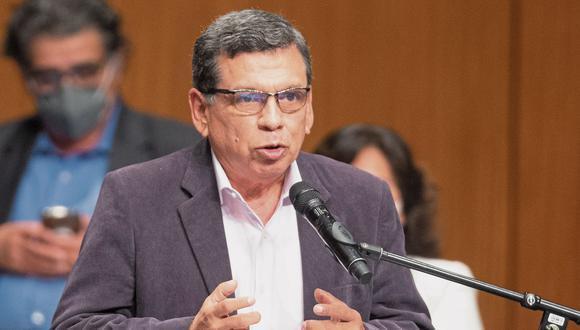 El ministro de Salud, Hernando Cevallos, afirmó que las conversaciones con las autoridades rusas se iniciaron el 31 de agosto y que la iniciativa para implementar una planta productora de vacunas en el Perú fue de ellos. (Foto: El Comercio)