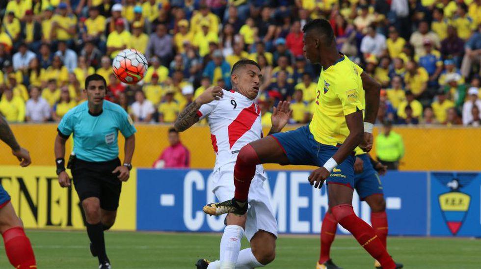 Paolo Guerrero fue muy marcado por la defensa ecuatoriana.  (Foto: agencias)
