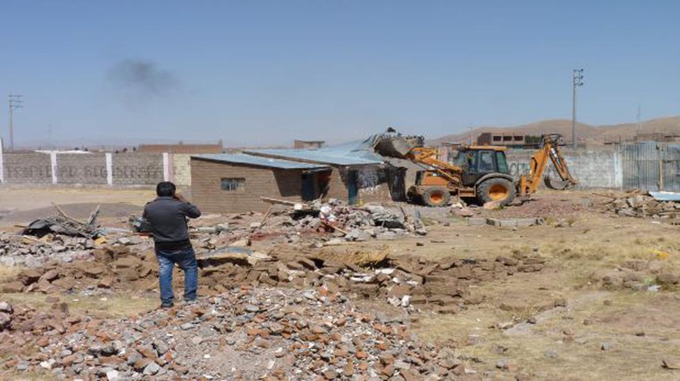 Juliaca: destruyen cientos de viviendas en desalojo  - 1