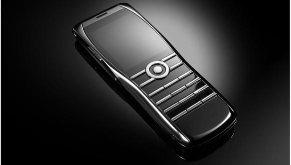 El Xor Titanium es un teléfono de lujo (el chasis es de titanio), y como tal apuesta por el diseño y los materiales con los que está hecho, antes que por la funcionalidad: es la razón por la que es un celular y no un smartphone. (Difusión)