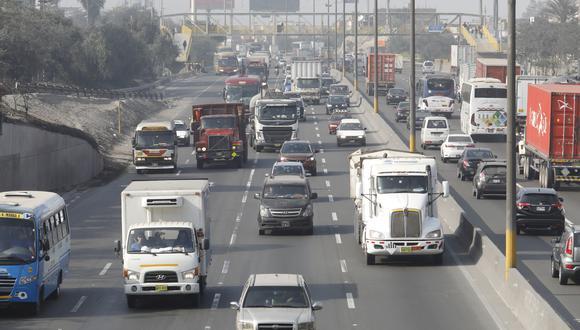 El ministro de Transportes y Comunicaciones, Edmer Trujillo, indicó que el decreto de urgenia responde a una medida que los transportistas venían reclamando. (Foto: GEC)