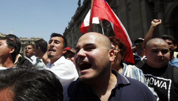 Santiago: 'Neonazis' agreden a peruanos tras fallo de La Haya
