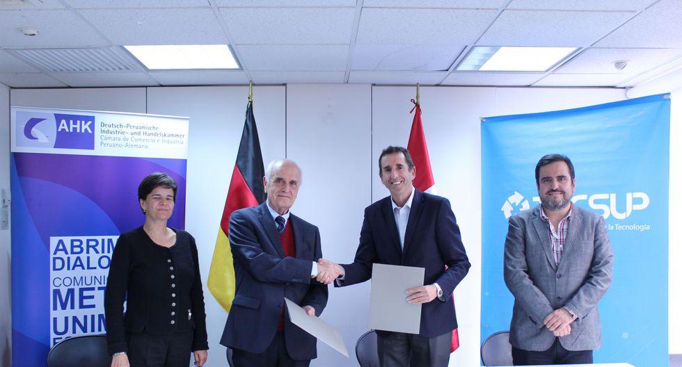 La Cámara de Comercio e Industria Peruano-Alemana (AHK Perú) y el Instituto TECSUP implementaron  por primera vez en la América Latina una Especialización Internacional en Industria 4.0 con doble certificación.