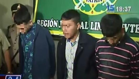 Caen tres menores de edad que asaltaron pollería en Santa Anita