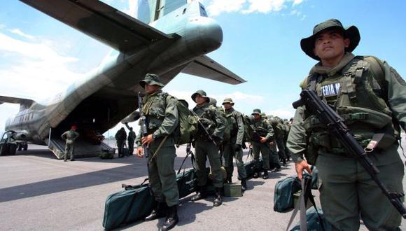 Venezuela envía más militares a la frontera con Colombia