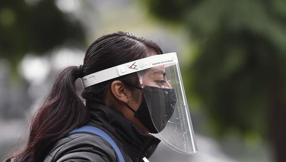 Las diferencias entre hombres y mujeres que China percibió al inicio del brote del nuevo coronavirus, se han visto en otros países. (Foto: ALFREDO ESTRELLA / AFP)