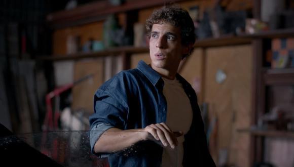 """Miguel Herrán, Río en """"La casa de papel"""", protagoniza el videoclip de la canción """"Cómo te va?"""". (Foto: Captura de video)"""