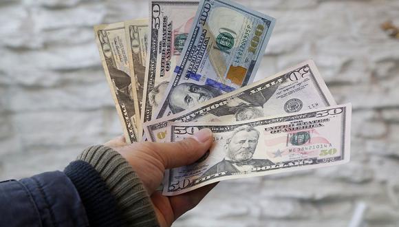 El dólar se cotizaba a 19,8 pesos en el mercado de México este jueves. (Foto: AFP)