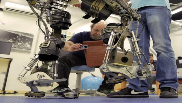 Prueban con éxito el exoesqueleto que se usará en el Mundial