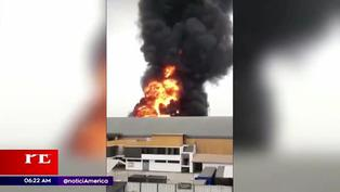 Comas: incendio consume fábrica de pinturas