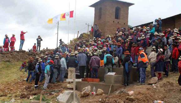 Las Bambas: transporte de mineral está suspendido por el paro