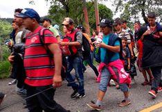 Otra caravana de migrantes hondureños cruza Guatemala rumbo a Estados Unidos