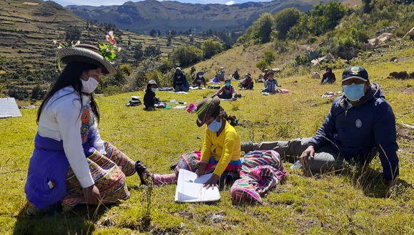 El Gobierno de Bolivia ha autorizado que el Banco Unión realice la entrega de 500 bolívares para los beneficiados con el Bono Familia. (Foto: Moisés Humberto Alfaro Gómez)