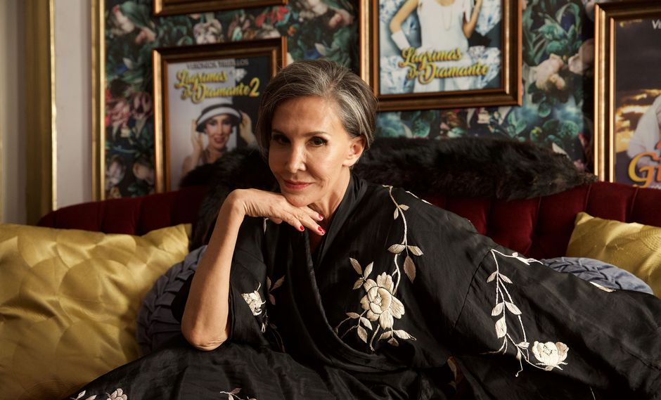 "Florinda Meza encarna a Verónica Castillo en la película ""Dulce familia"". (Foto: Difusión)"