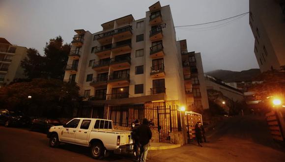 PNP y Fiscalía allanan viviendas de agentes policiales vinculados en presuntas compras irregulares durante la pandemia por el COVID-19. (Foto: César Grados)
