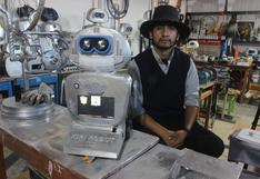 """Profesor creador de Kipi, la robot que habla en quechua: """"Se debe enseñar ciencia haciendo ciencia"""""""