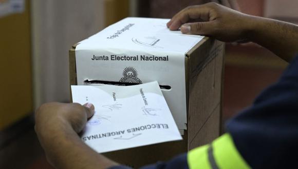 De acuerdo a los datos de la Cámara Nacional Electoral el nivel de participación ciudadana en las PASO 2021 llegó al 67%.  (Foto: JUAN MABROMATA / AFP).