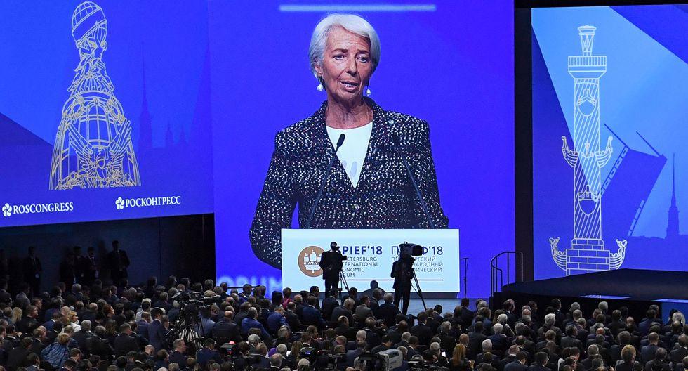 """""""La buena noticia es que brilla el sol y lanza sus rayos sobre la economía mundial"""", dijo Lagarde."""