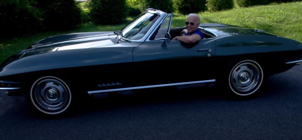La joya en el garaje de Joe Biden es Corvette C2 Stingray convertible de 1967. (Foto: Captura de YouTube)