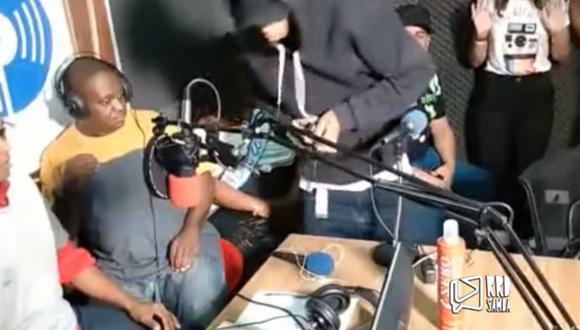 Los delincuentes robaron teléfonos celulares, computadores, equipos tecnológicos y hasta un reloj. (Foto: Captura)