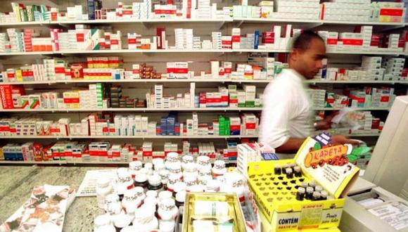Farmacias tendrán que abastecerse de medicamentos genéricos