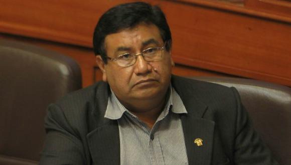 Alejandro Yovera recurre al TC para impedir inhabilitación