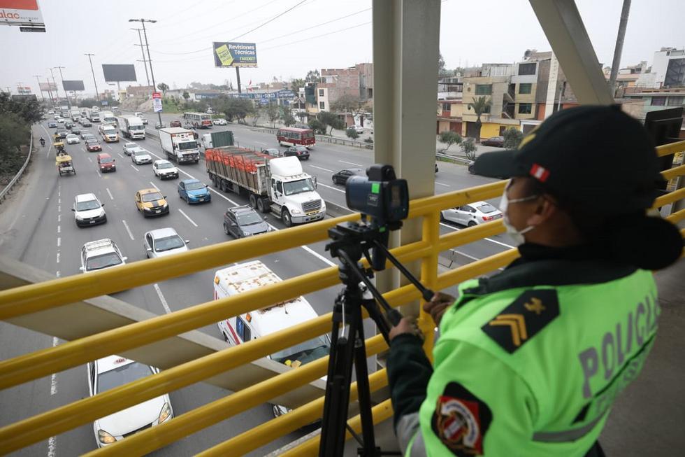 Culminó la marcha blanca del plan 'pico y placa' para camiones de carga pesada en la Panamericana Sur. (Foto: Britanie Arroyo/@photo.gec)