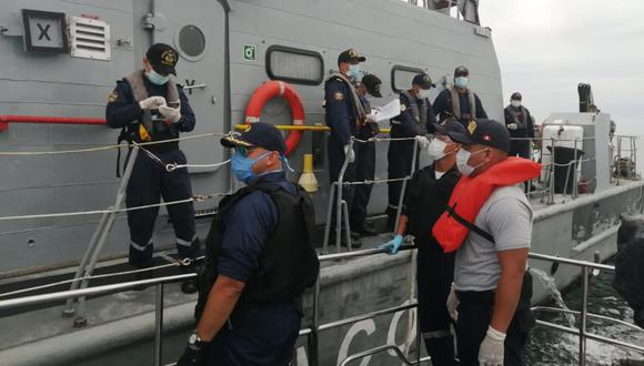 En diálogo con TV Perú, añadió que la institución ha destinado aviones de exploración, patrulleros marítimas y unidades submarinas que están supervisando el área marítima. (Foto: Andina)