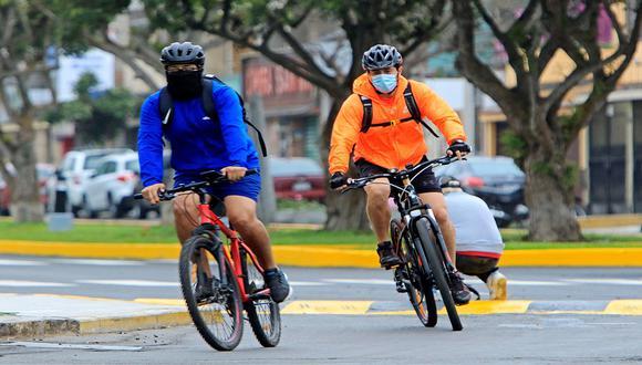 El Ministerio de Transportes y Comunicaciones te recuerda que se puso a disposición el Manual para Ciclistas del Perú.(Foto: EFE)