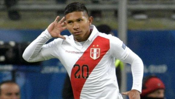Edison Flores tiene 13 goles con camiseta de la selección peruana. (Foto: AFP)