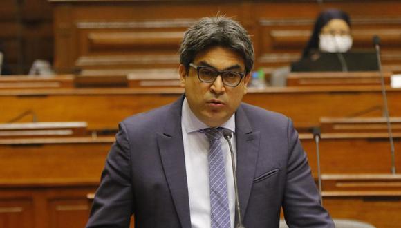 El ministro Benavides ha sido citado a una sesión conjunta de las comisiones de Fiscalización y Educación para este martes 18 de agosto, a fin de que responda por temas de su sector, entre ellos la compra de las tablets. (Foto: Congreso)