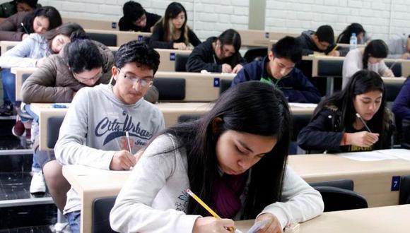 Postula a una de las 2 mil becas ofrecidas a estudiantes de universidades públicas